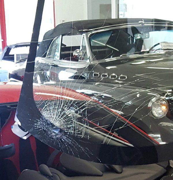 rev-slider-real-auto-glass-4